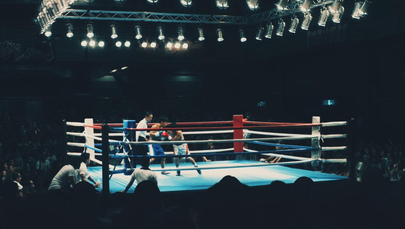 赤いきつね緑のたぬき「それ、今!?ボクシング」篇